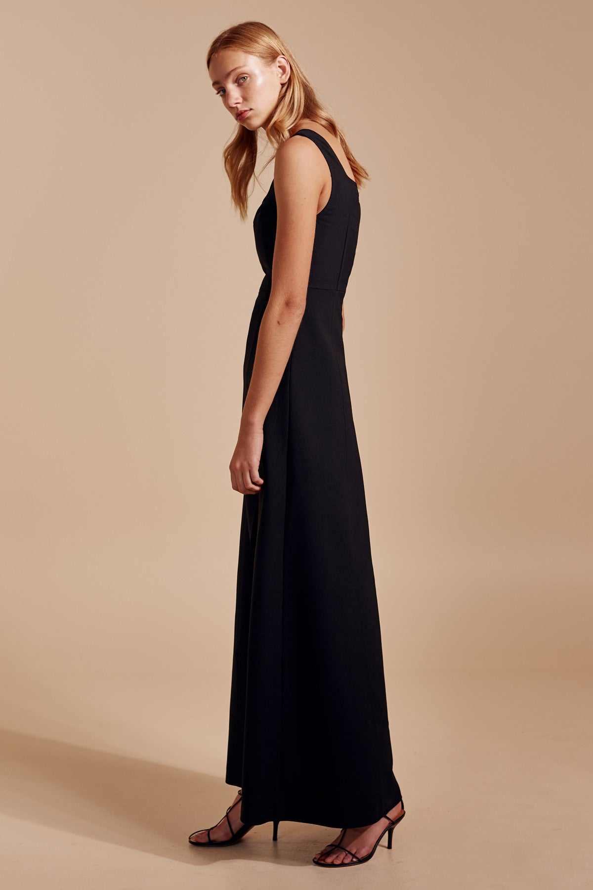 IMPULSE GOWN black