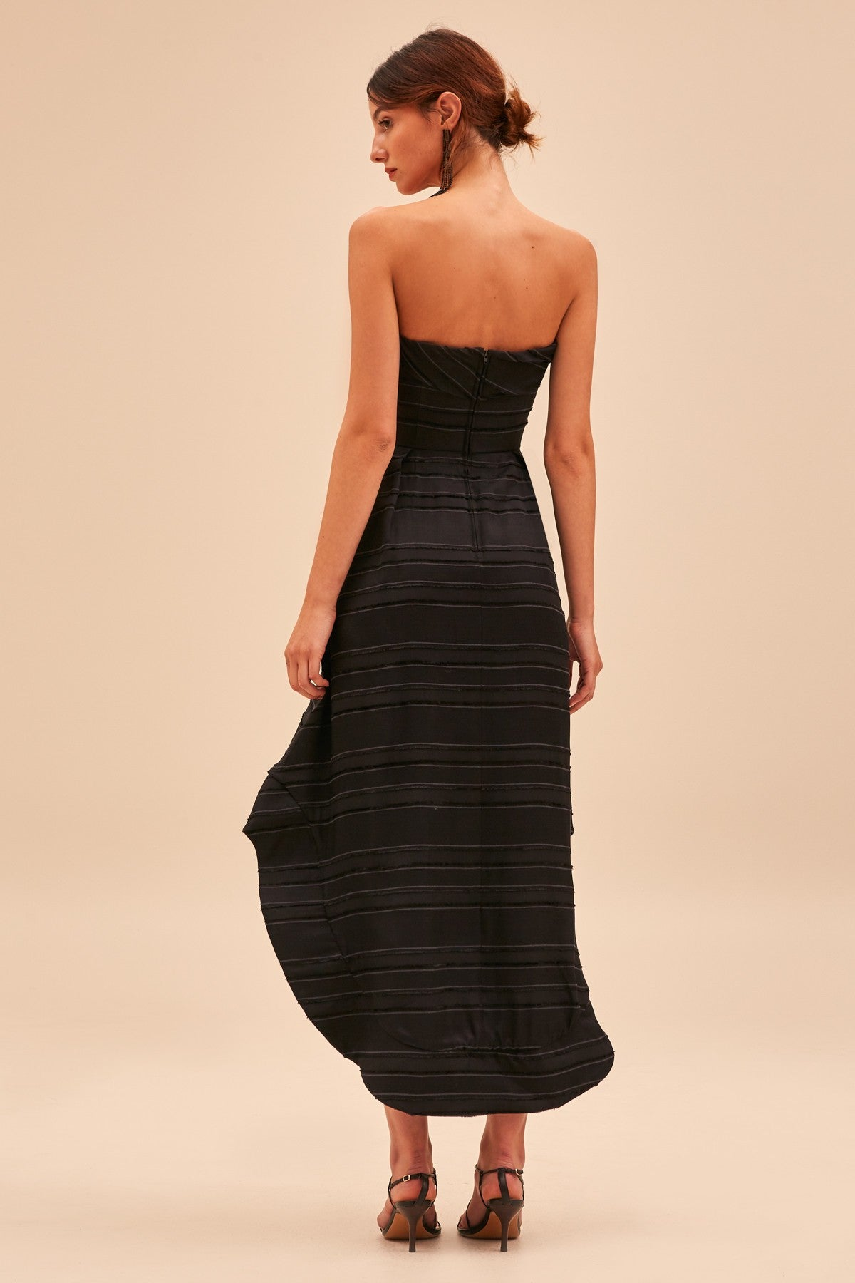 SOLITUDE GOWN black