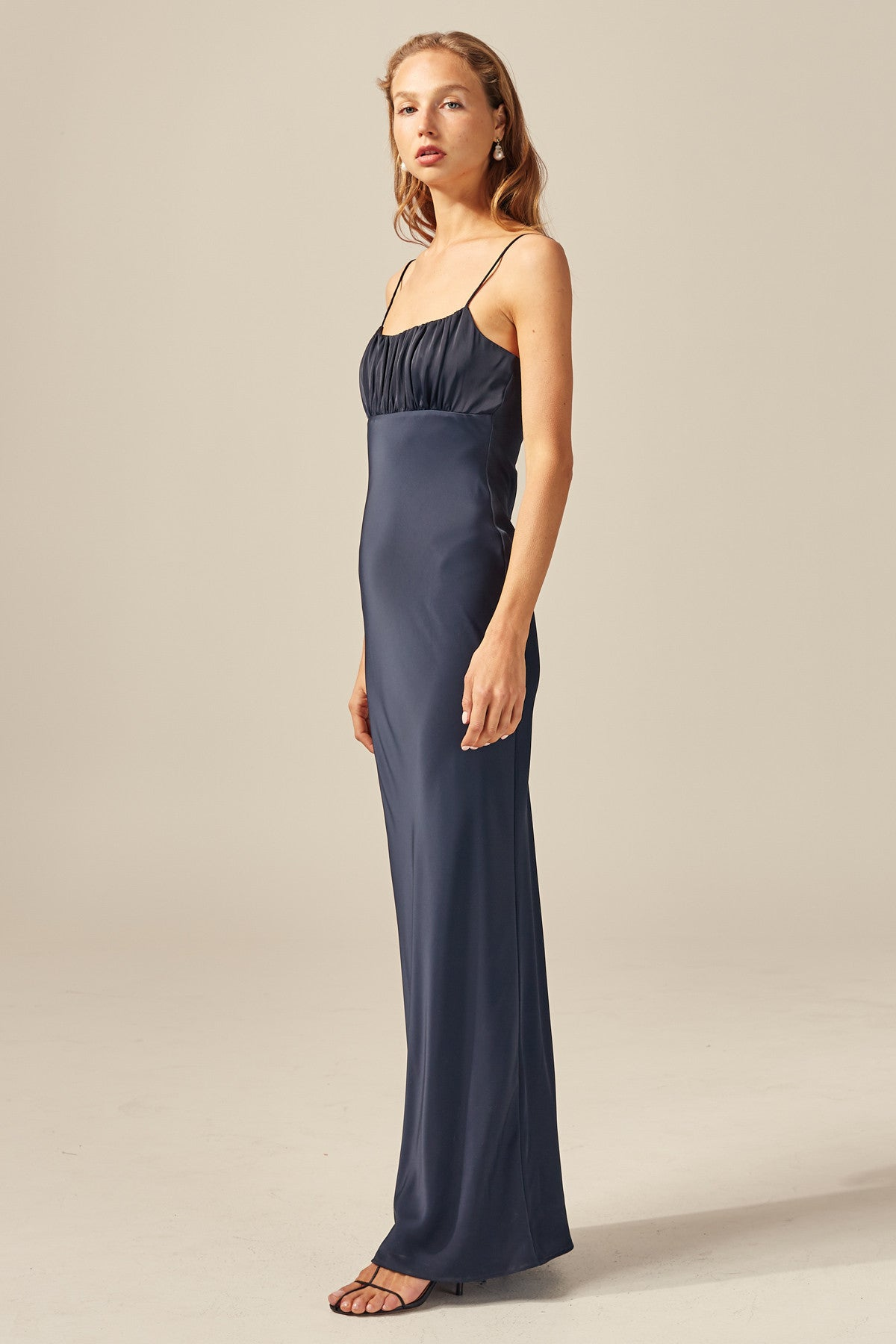 PROVIDED GOWN navy