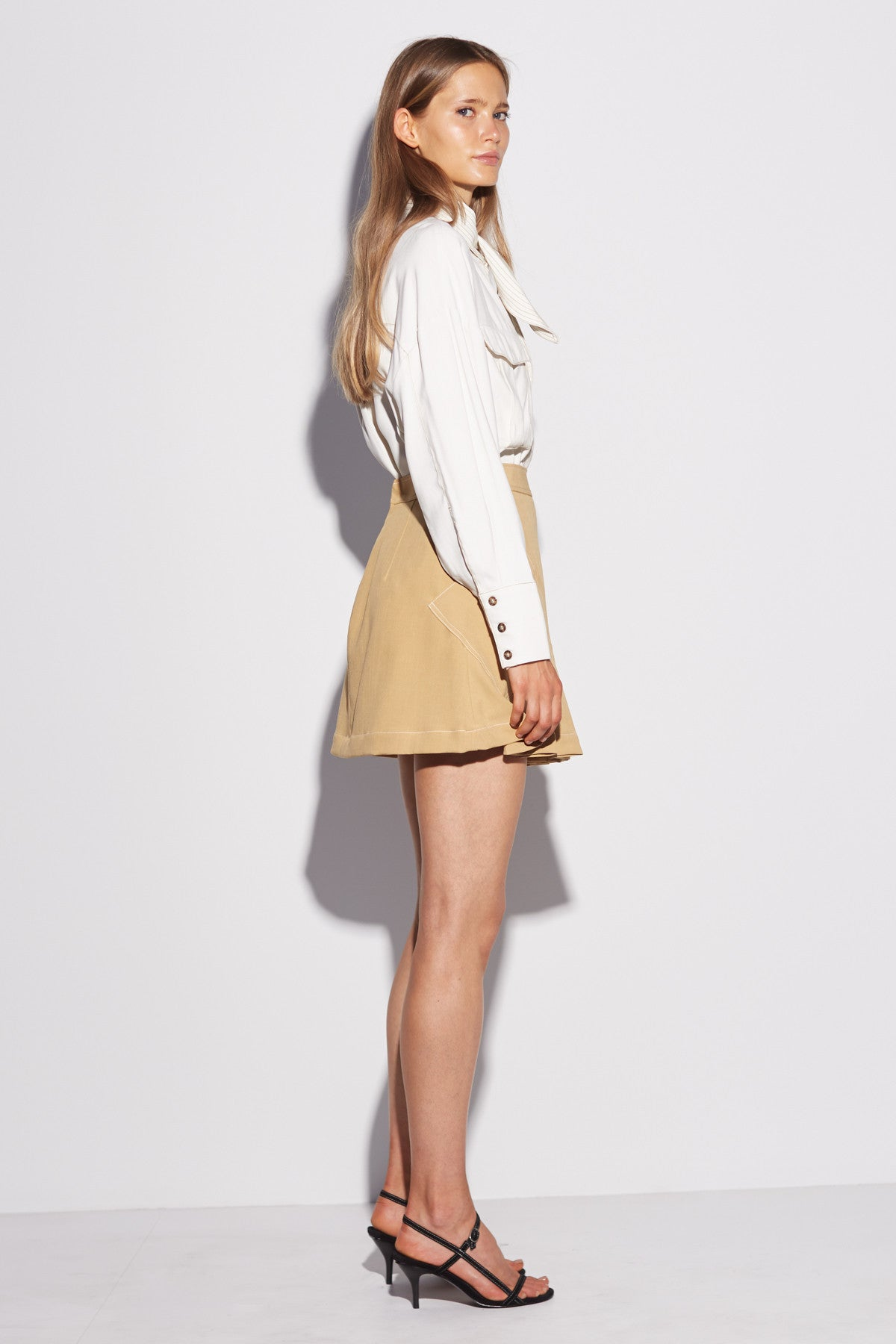 AGAINST YOU SKIRT mustard