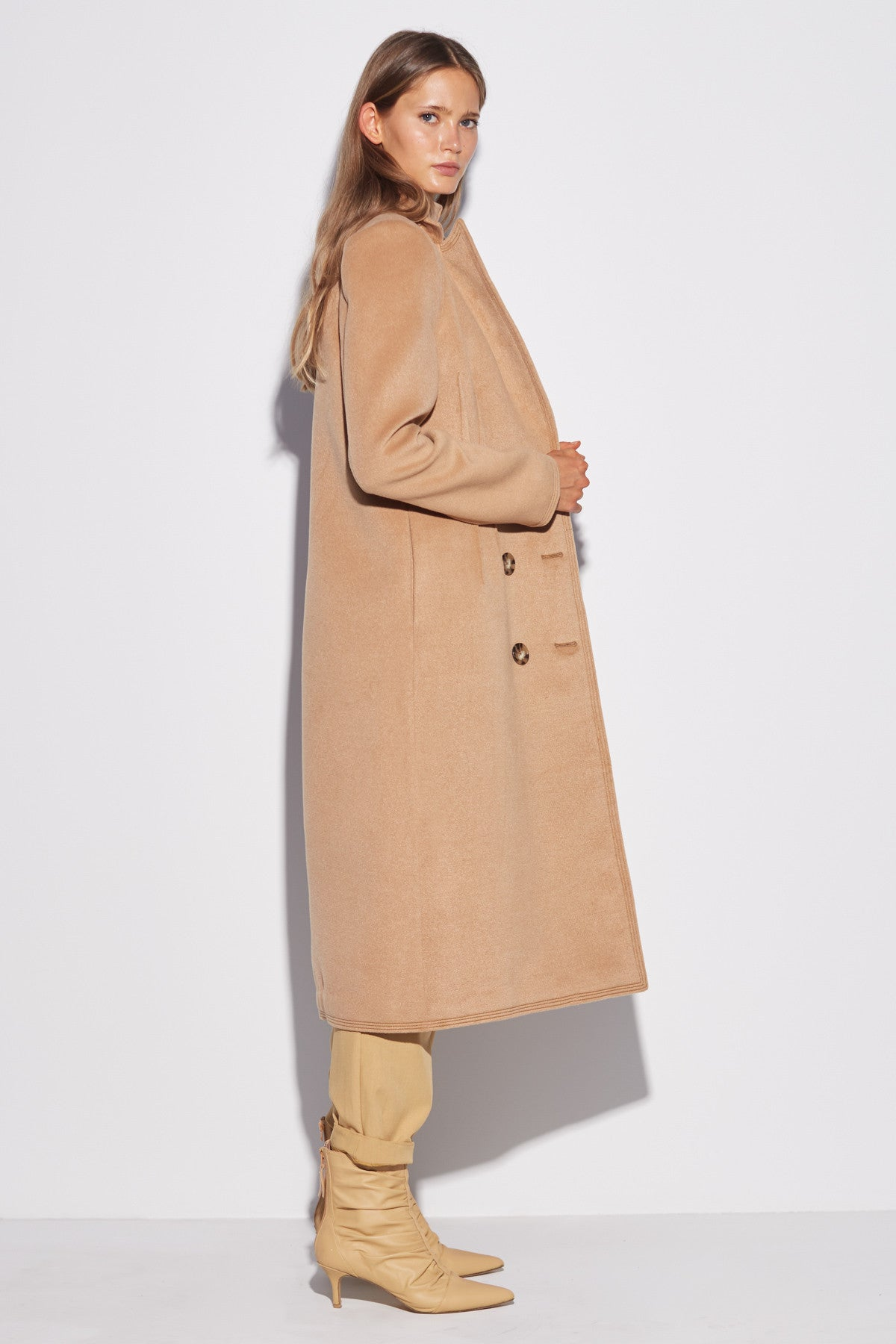 LOW KEY COAT camel