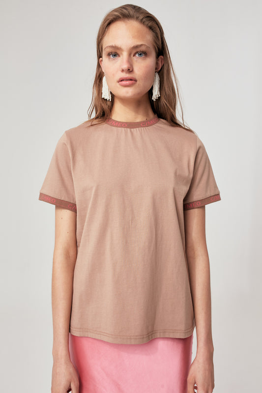 EPISODE T-SHIRT camel w hibiscus