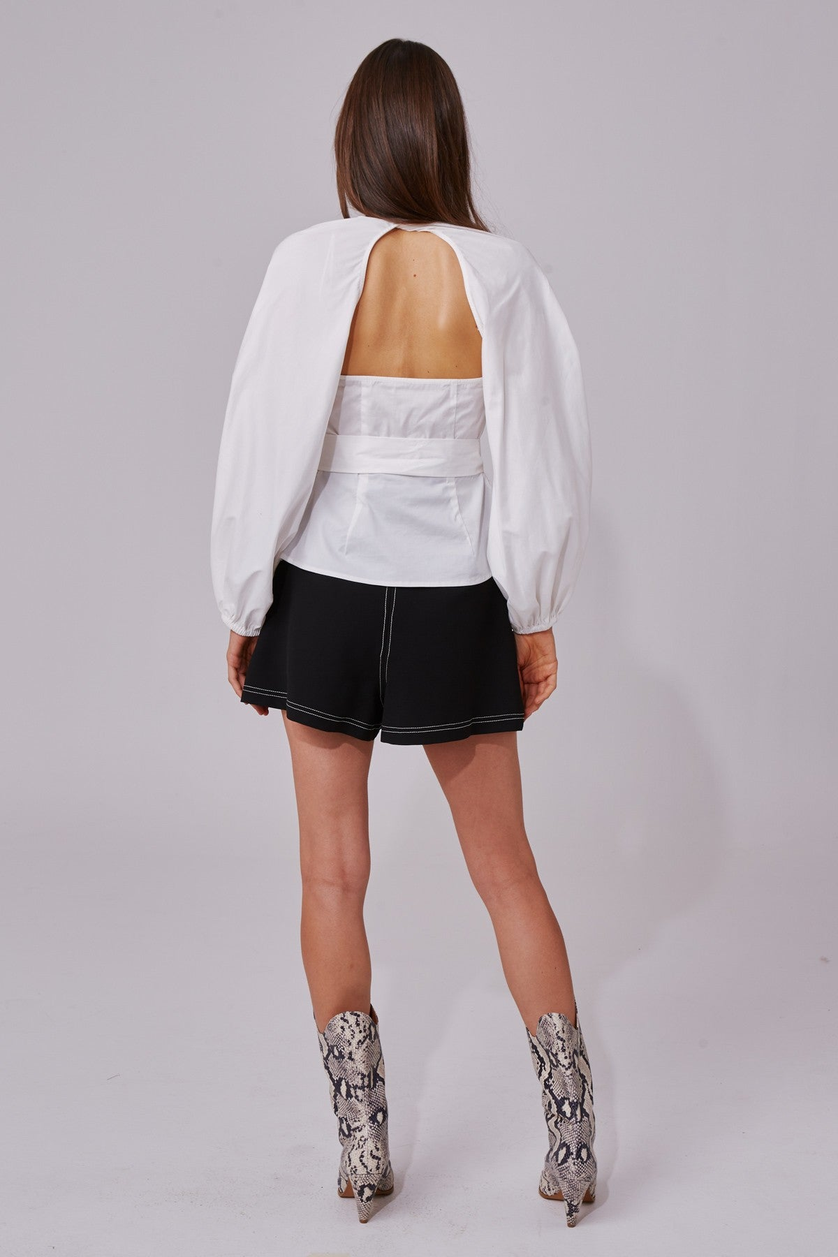 AVIDITY TOP white