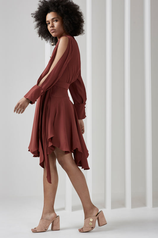 CAUGHT UP LONG SLEEVE DRESS marsala