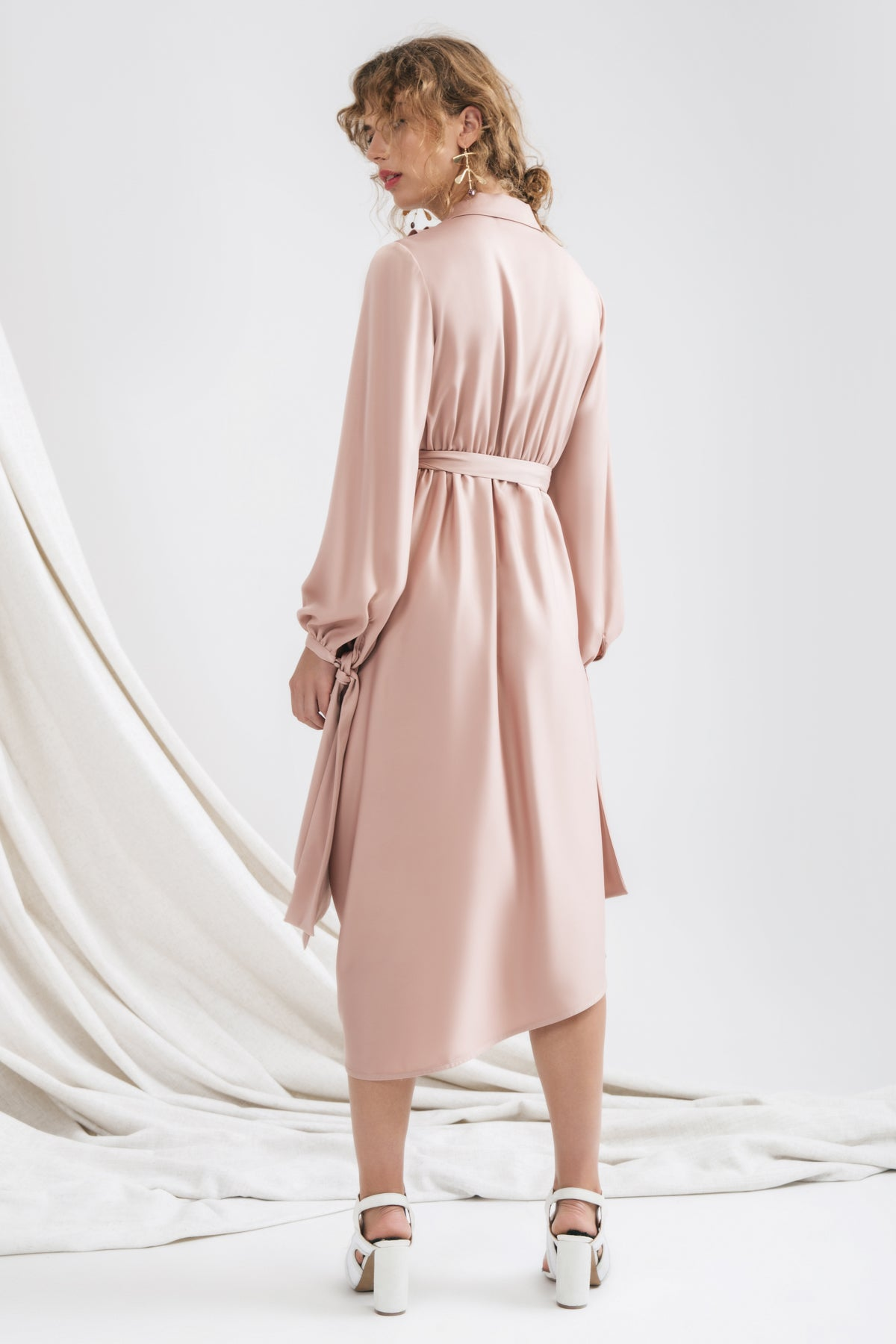 INFLUENTIAL LONG SLEEVE DRESS sand