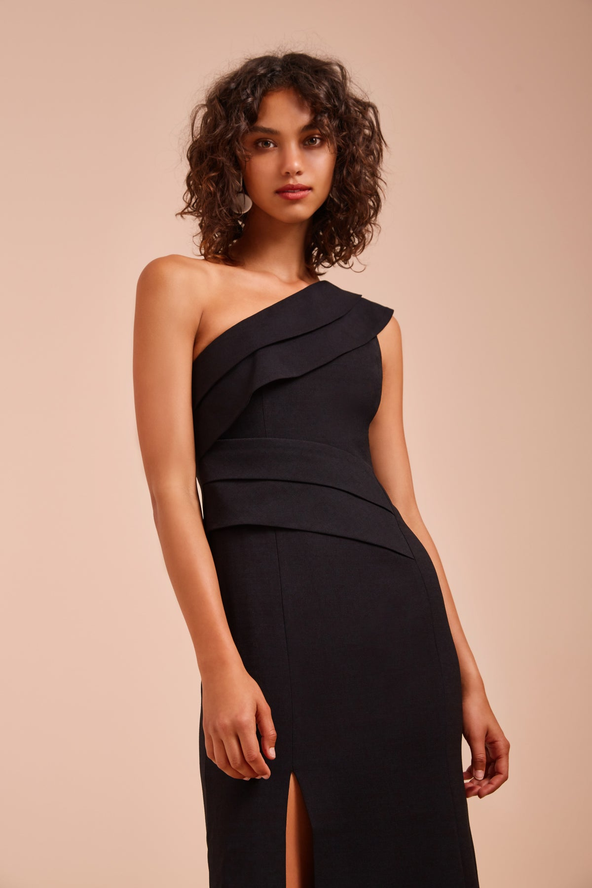 BE MOVED GOWN black