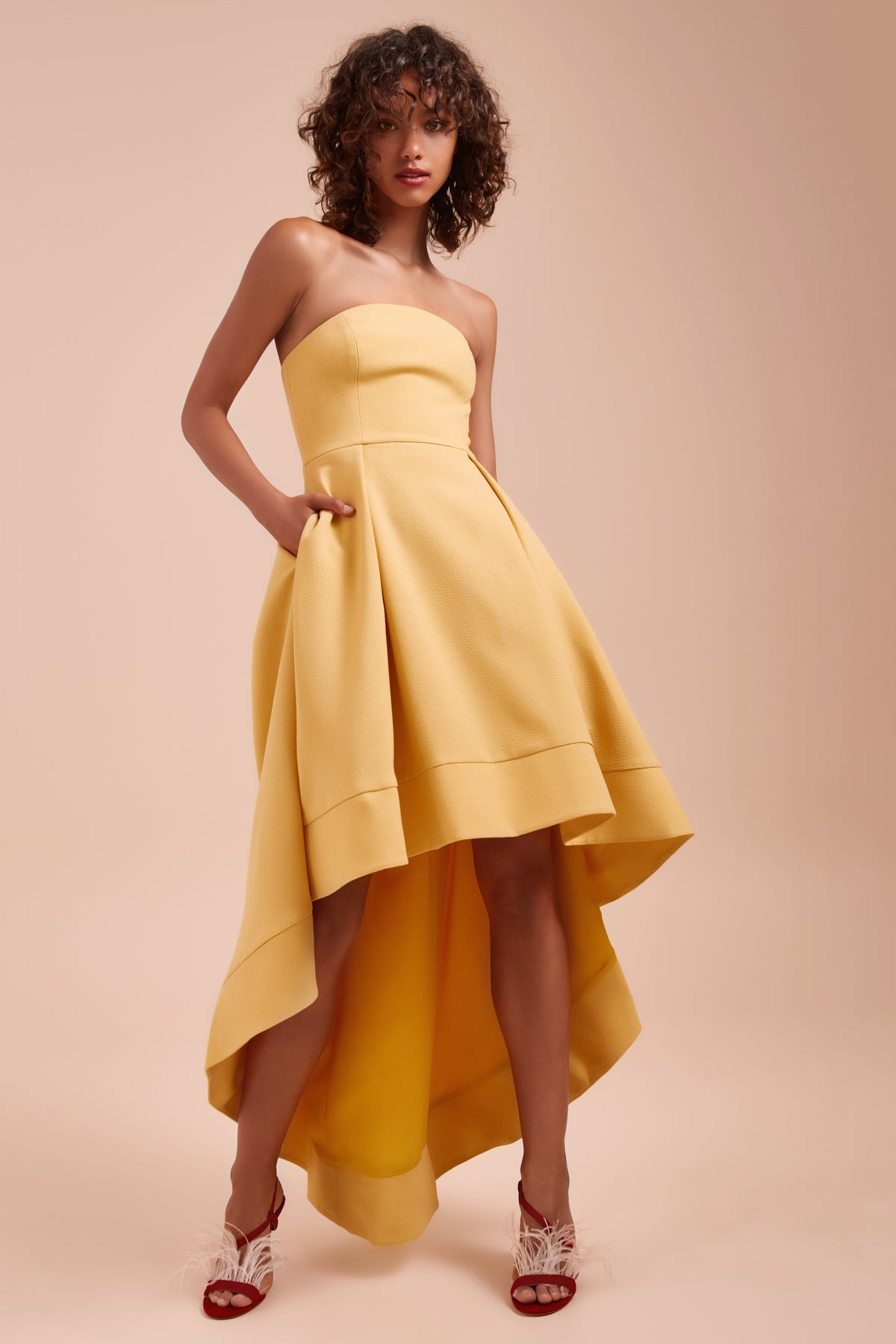 ENTICE STRAPLESS GOWN honey
