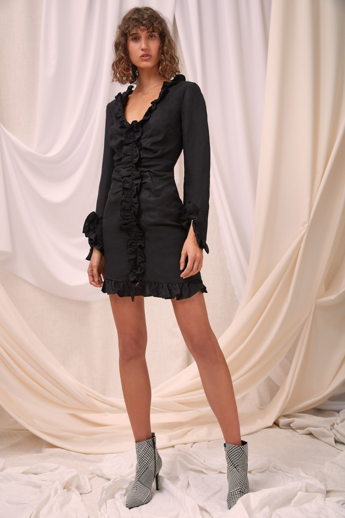 FORGIVE LONG SLEEVE DRESS black