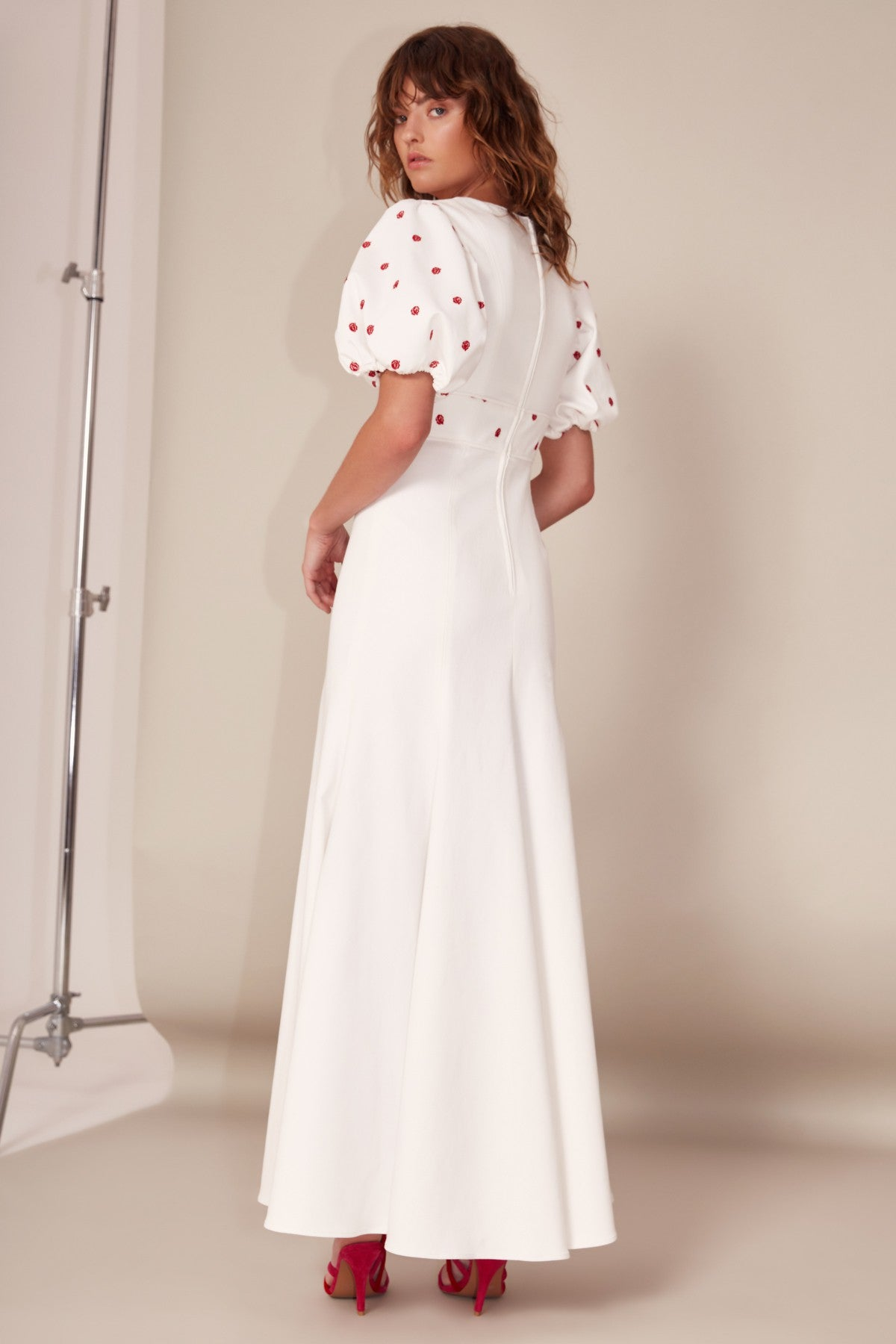 C/MEO COLLECTIVE | HARMONIOUS SHORT SLEEVE GOWN ivory | C/MEO COLLECTIVE