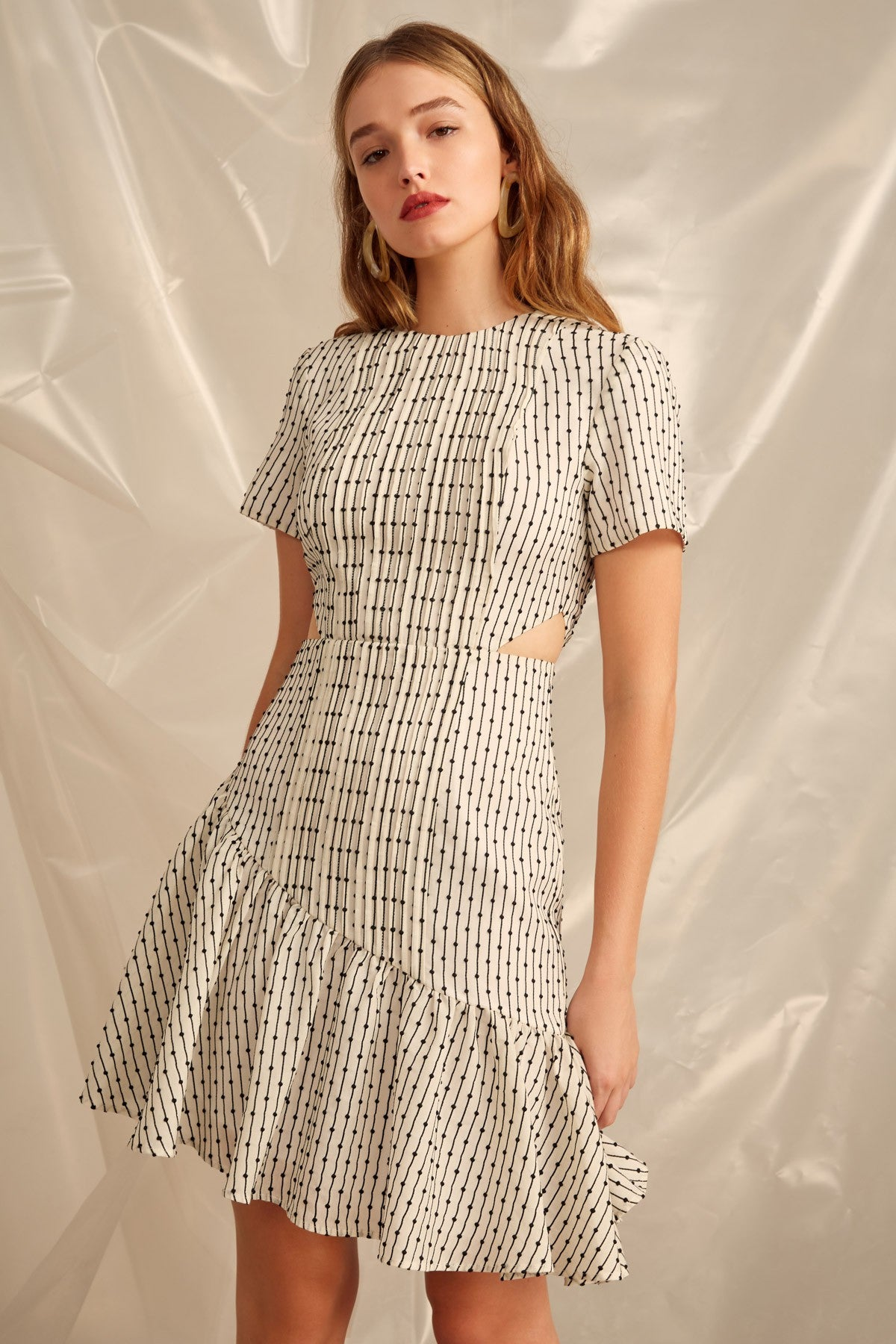 EVEN LOVE SHORT SLEEVE DRESS ivory