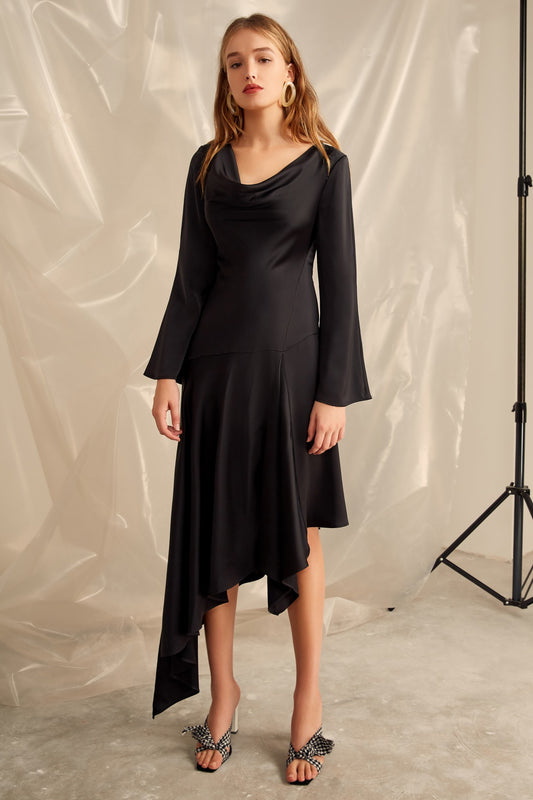 SIMPLE THINGS GOWN black