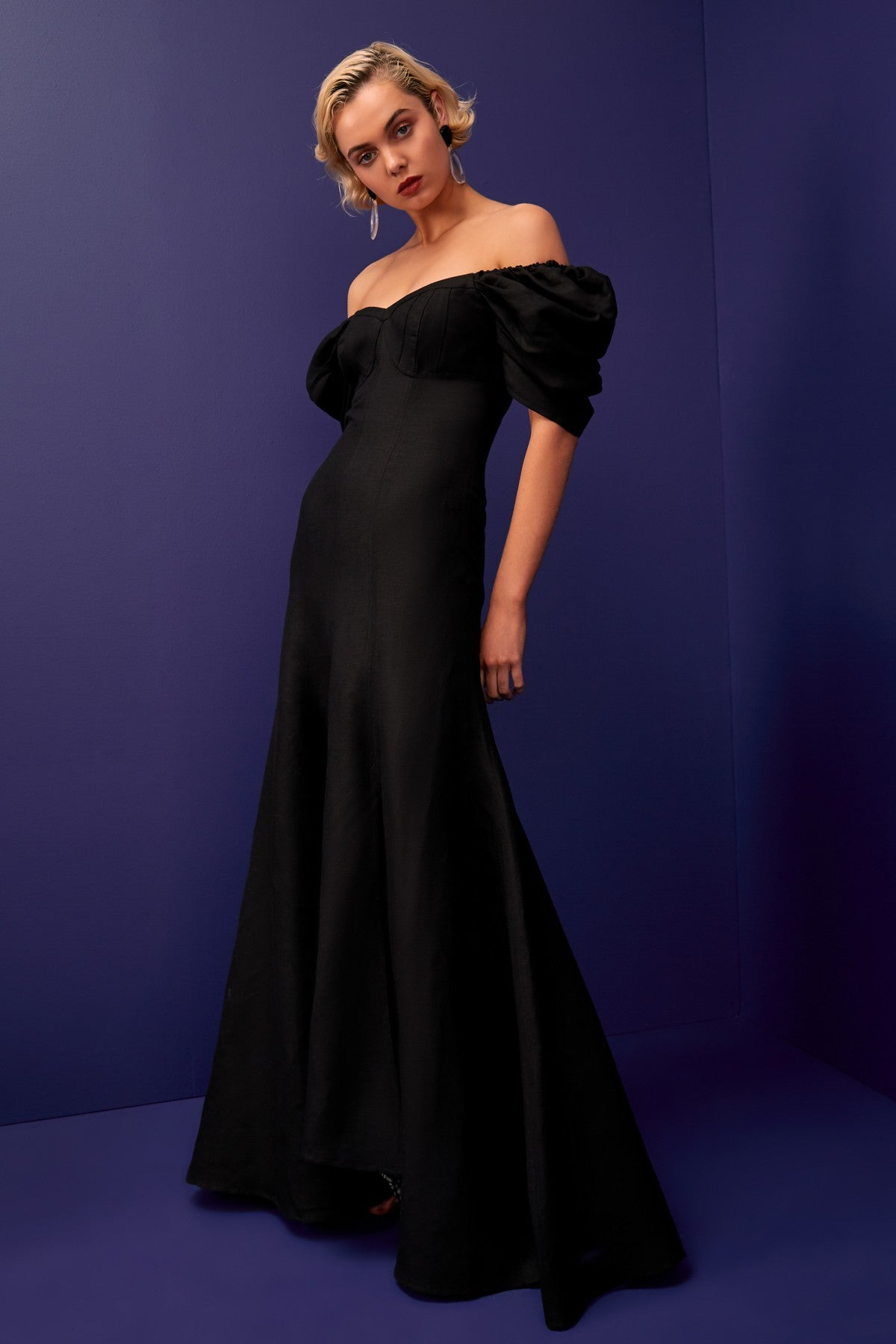 SILHOUETTE GOWN black