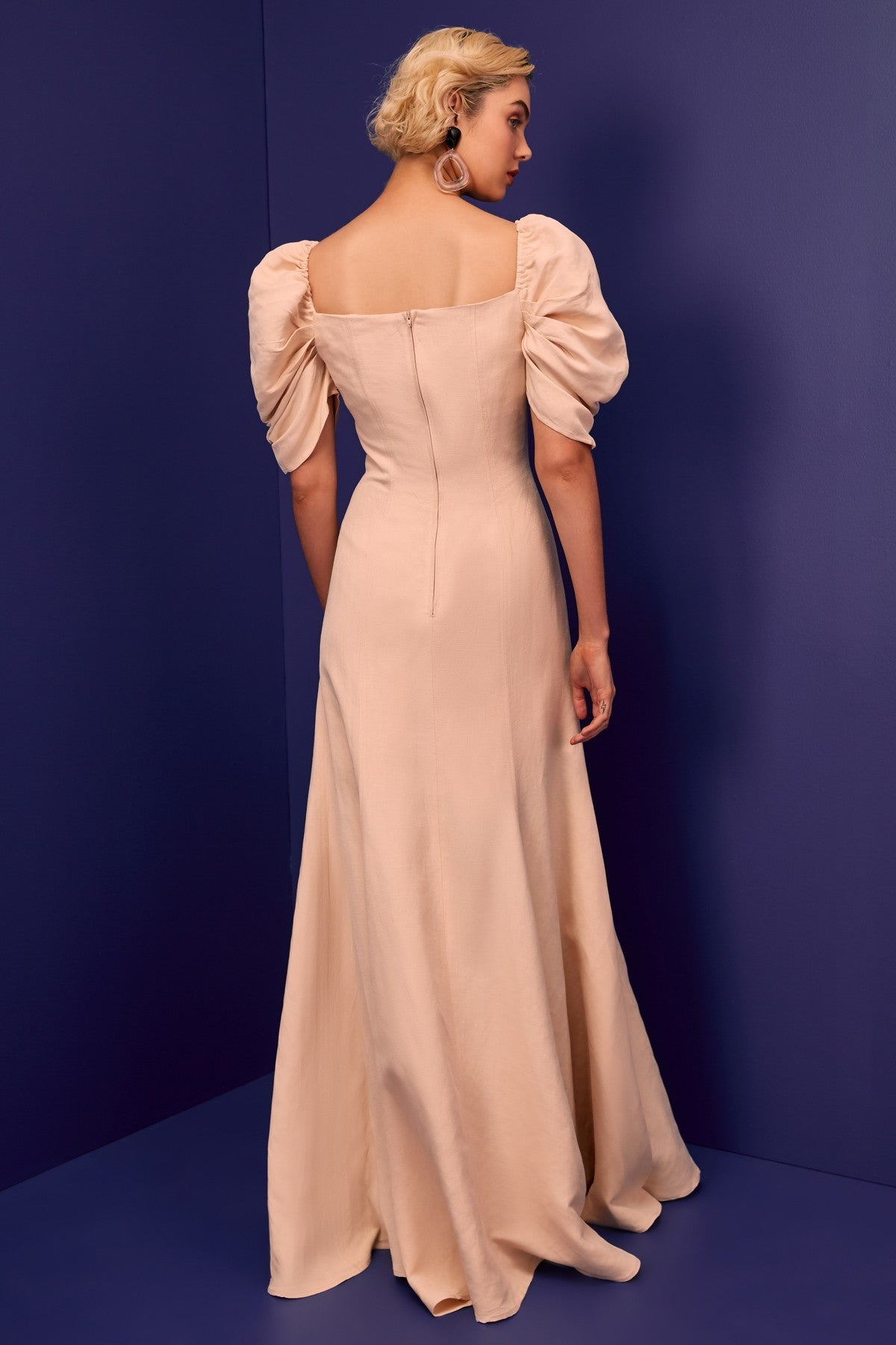 SILHOUETTE GOWN shell
