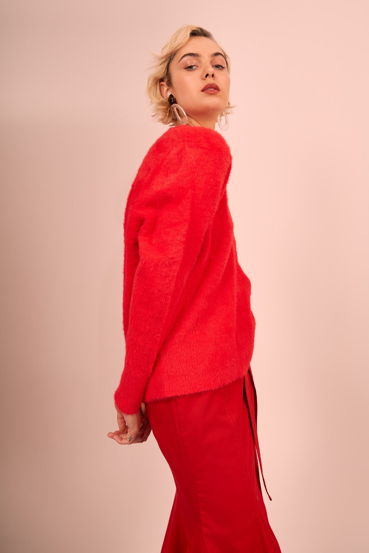 UNRAVELED KNIT JUMPER red