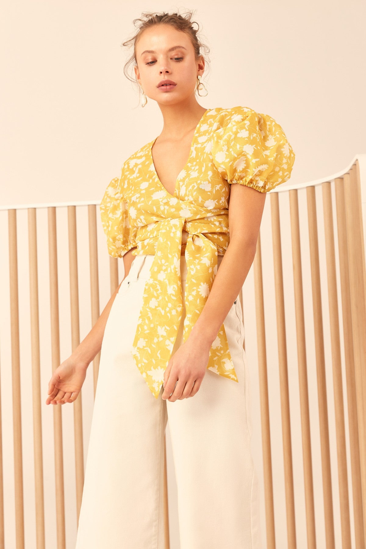 LOVE HATE SHORT SLEEVE TOP yellow floral