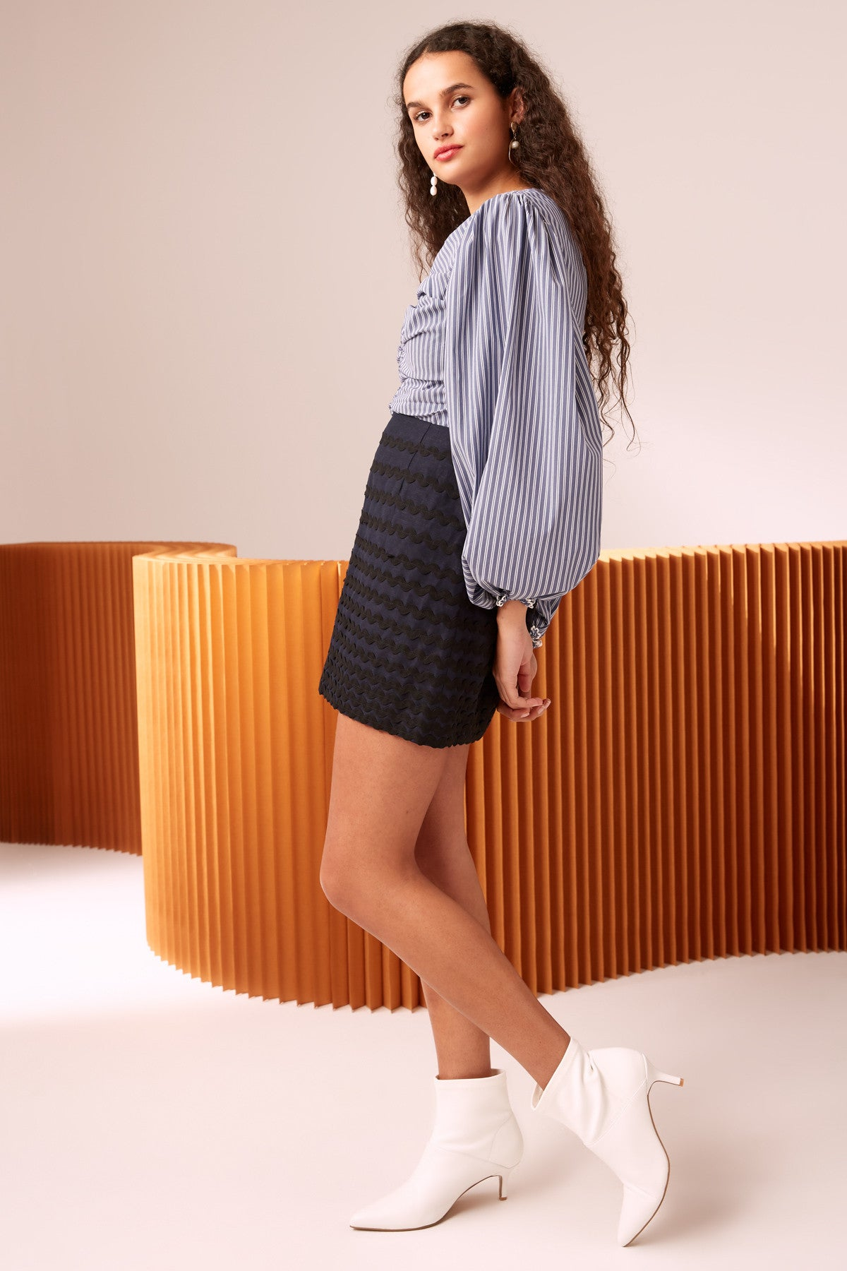 INCISE SKIRT navy