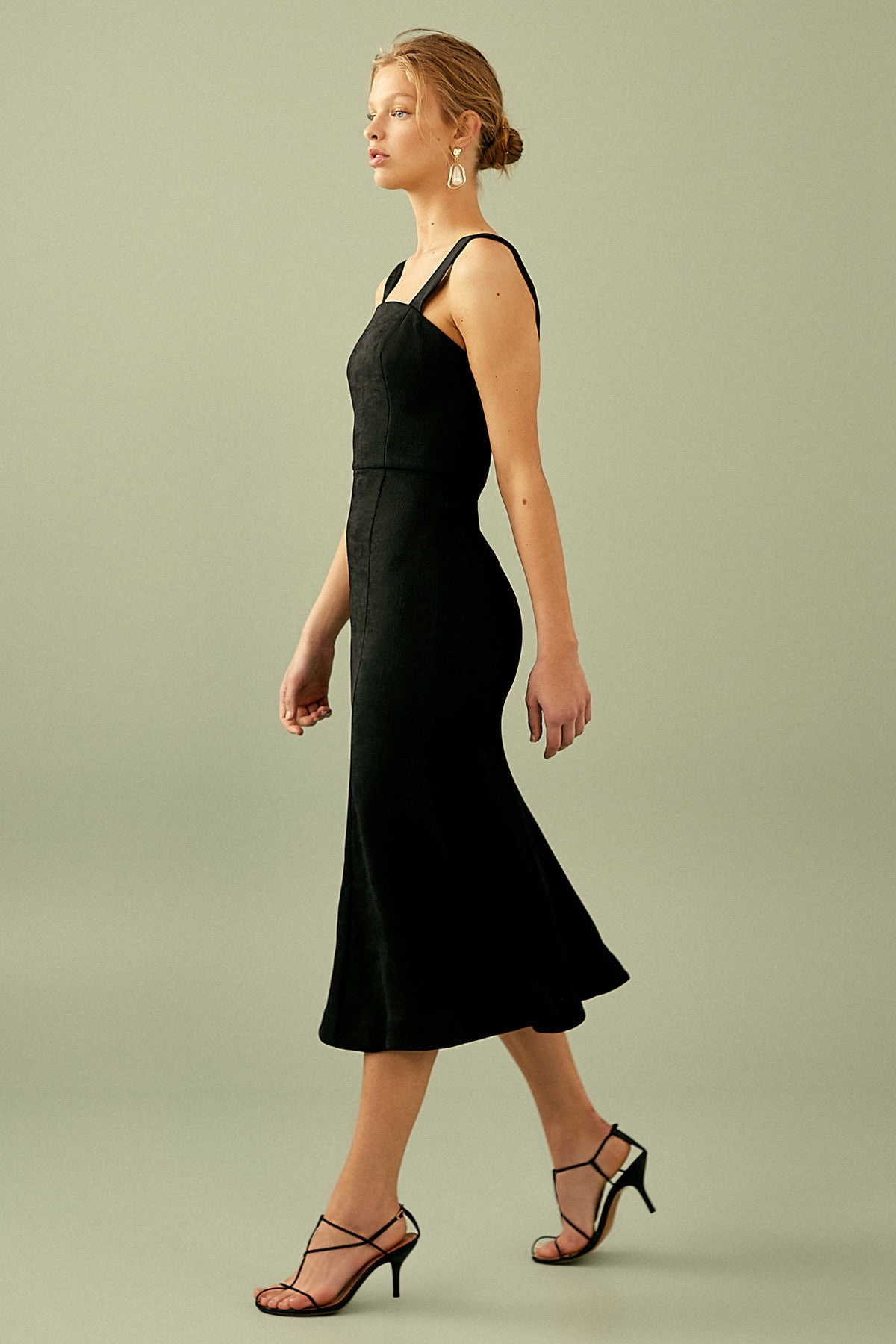 APEX MIDI DRESS black