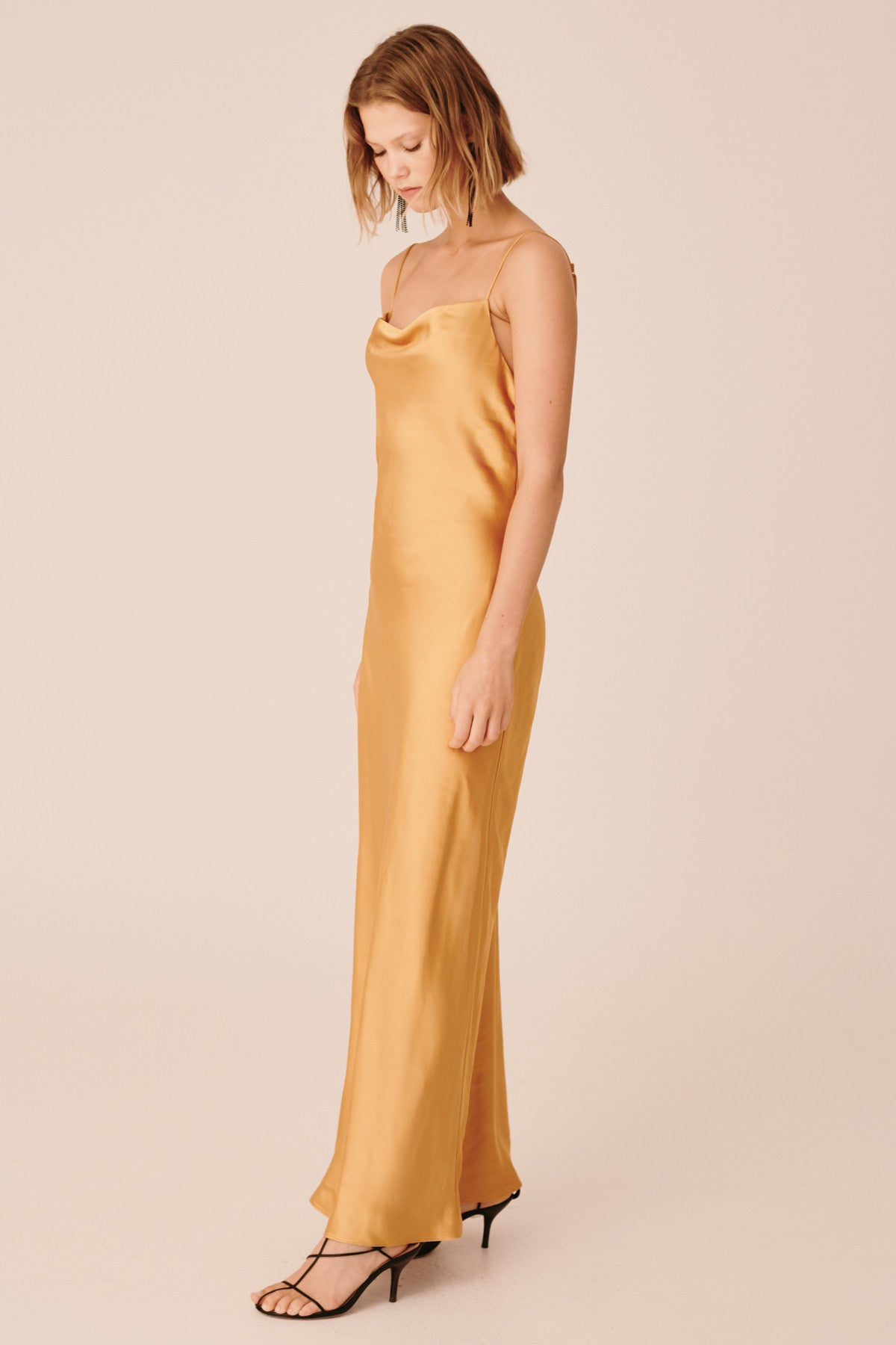POLARISED GOWN mustard