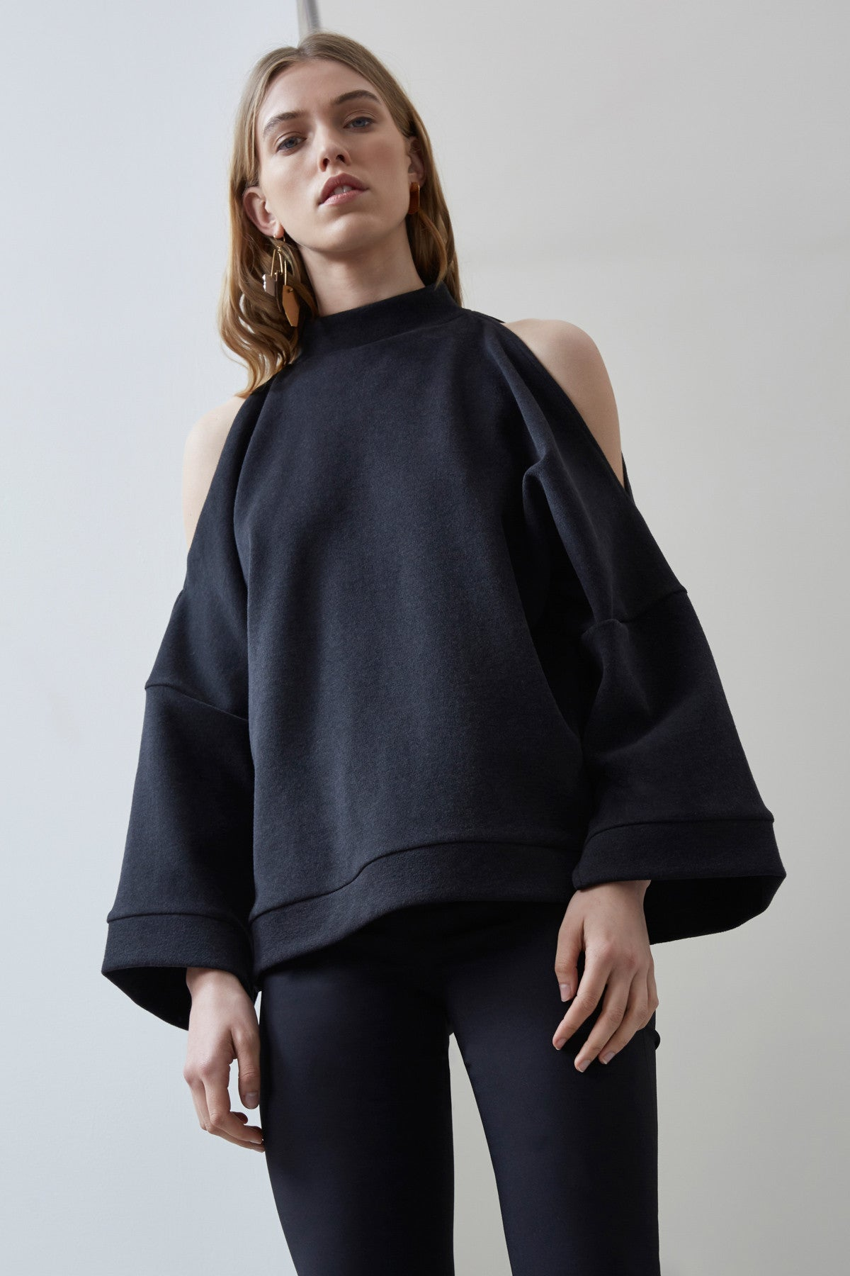 OPEN AIR LONG SLEEVE TOP black
