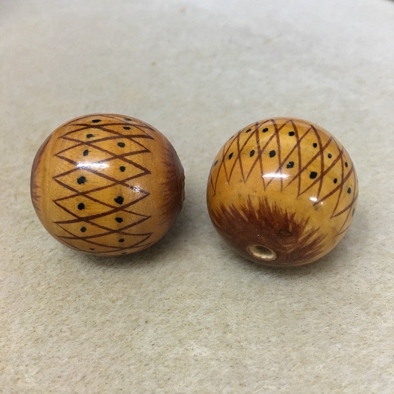 Lacquered Wood 30mm Round Bead - Tribal Print
