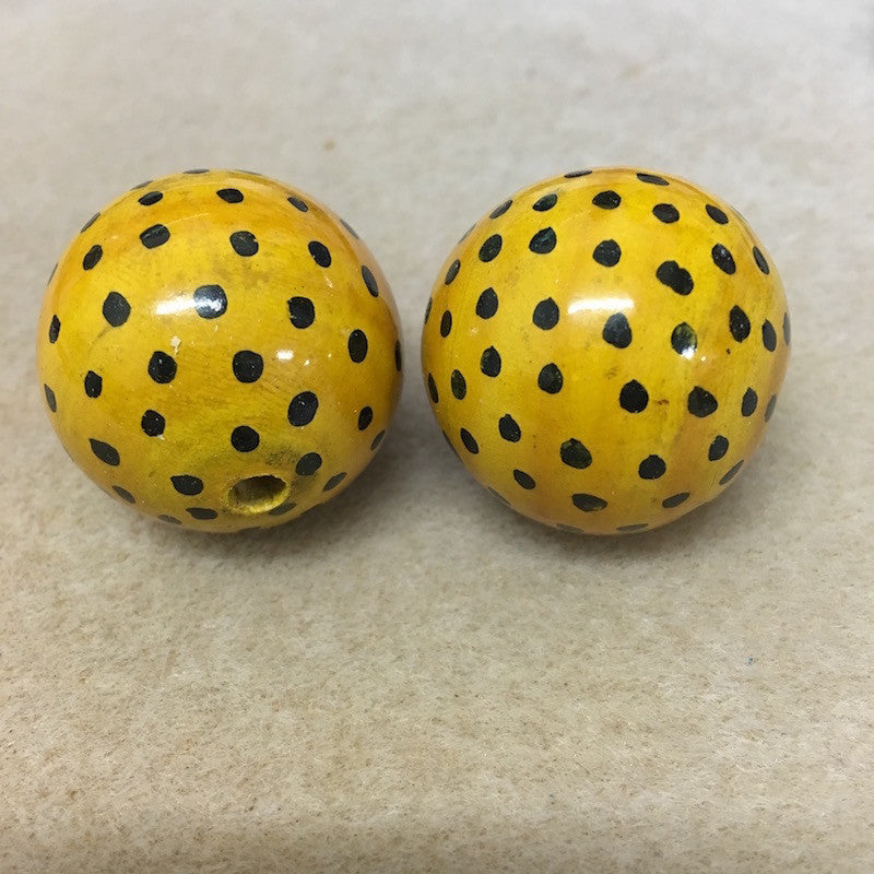 Lacquered Wood 30mm Round Bead - Leopard Print