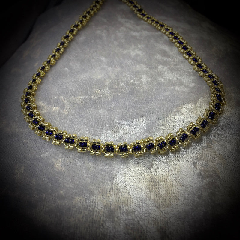 Delicate Chain Necklace Pattern