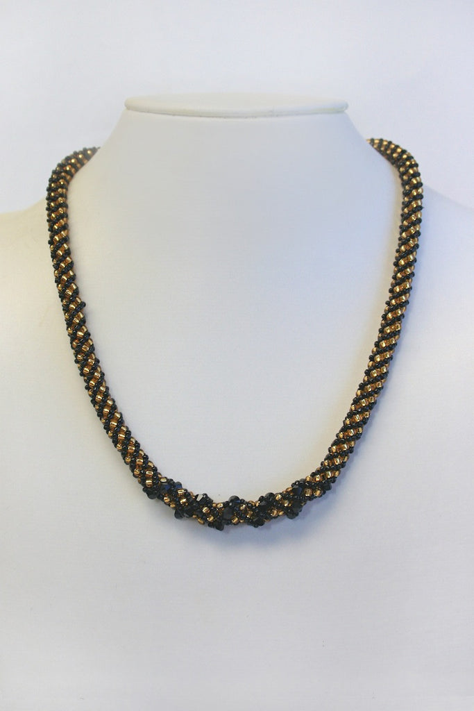 Corporate Elegance Necklace Pattern