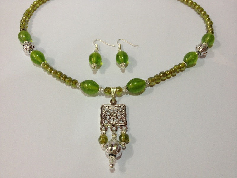 Indian Glass Necklace & Earrings Kit - 3 colours available