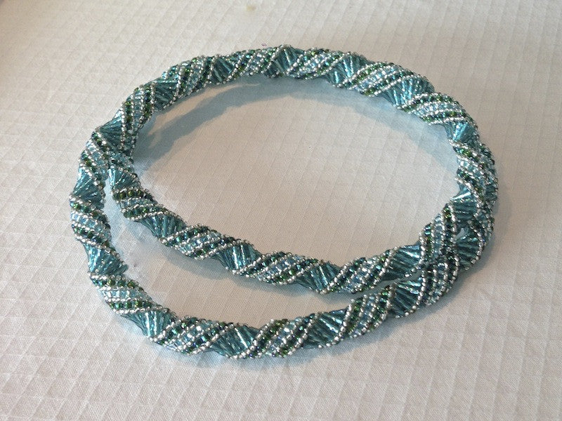 Fabulous Twist Necklace Pattern