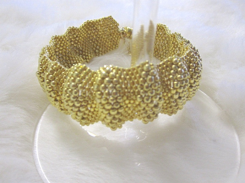 Waves of Gold (or Silver) Bracelet Pattern