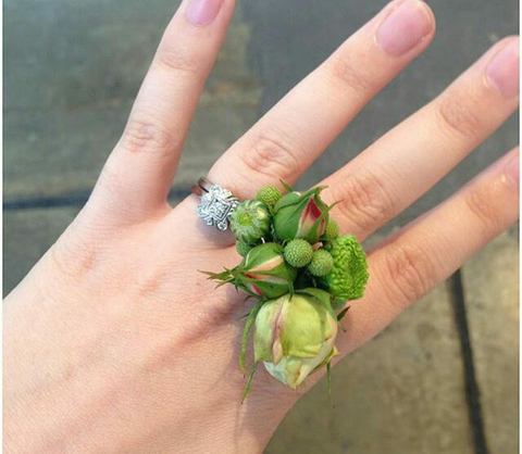 Rose buds and berry fresh flower ring.