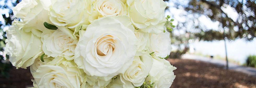 White natural style bridal bouquet