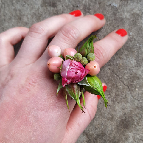 Pink and green fresh flower ring