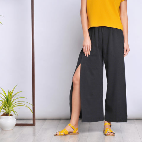 Reb slit pants