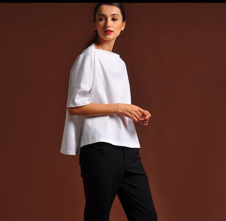 Suki / Crisp cotton top