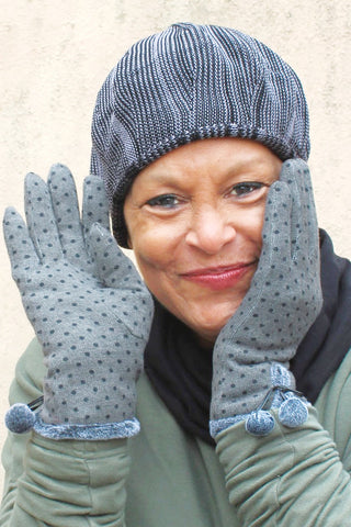 Women hat and gloves
