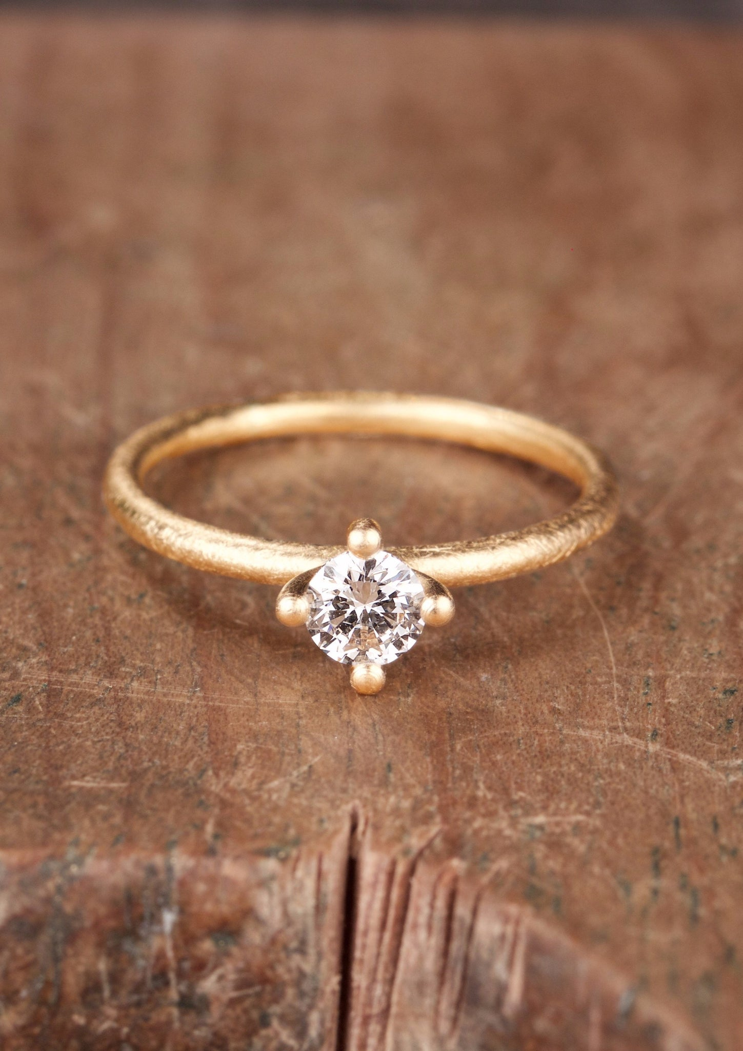 Sakura 0,20 ct // Fairtrade Gold Diamond Ring