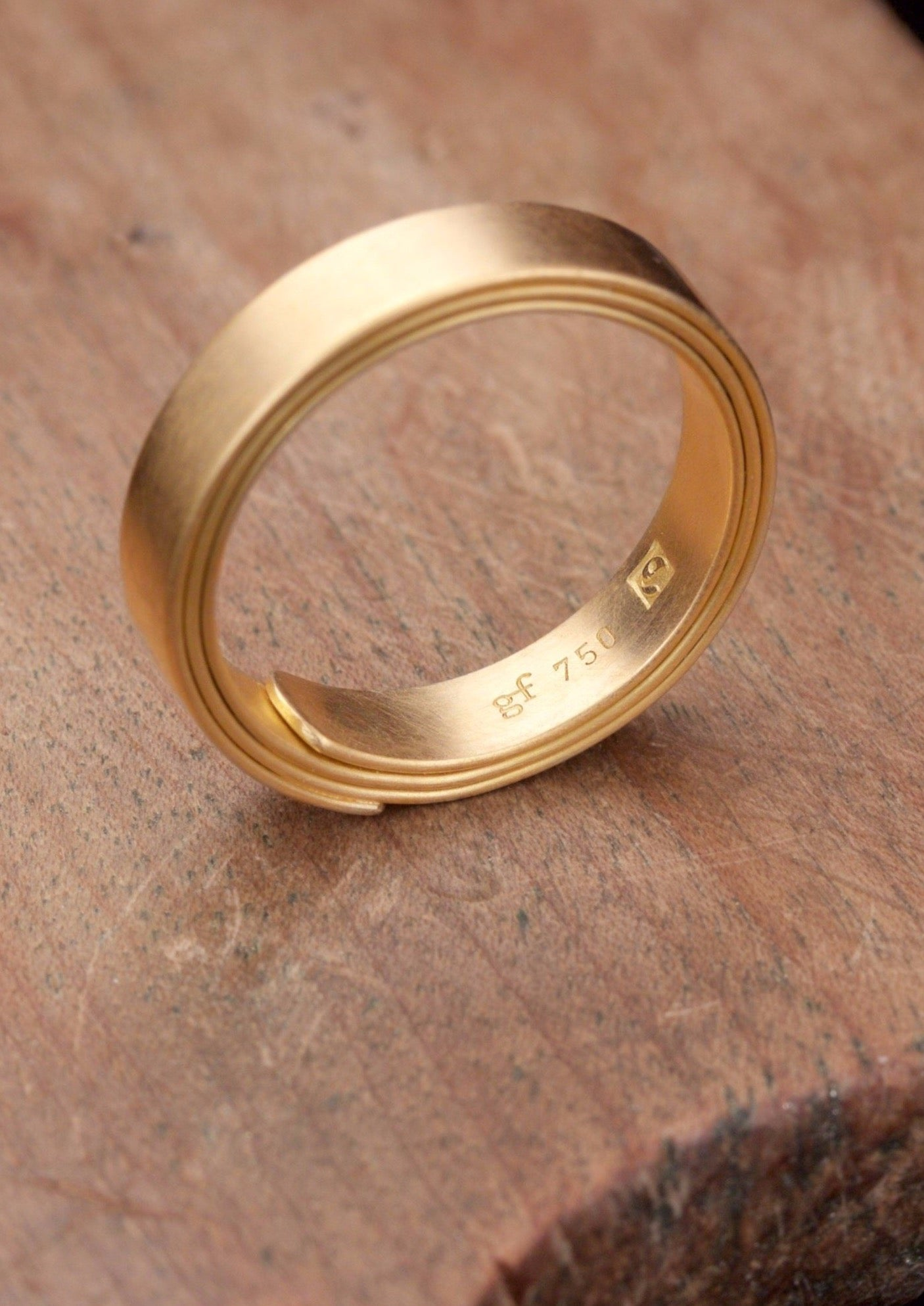 'Papyrus' Wide Fairtrade Gold or White Gold Ring