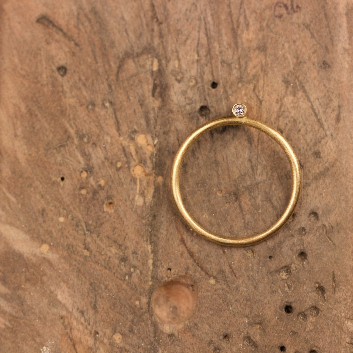 'Neon' Fairtrade Gold Ring with Diamonds