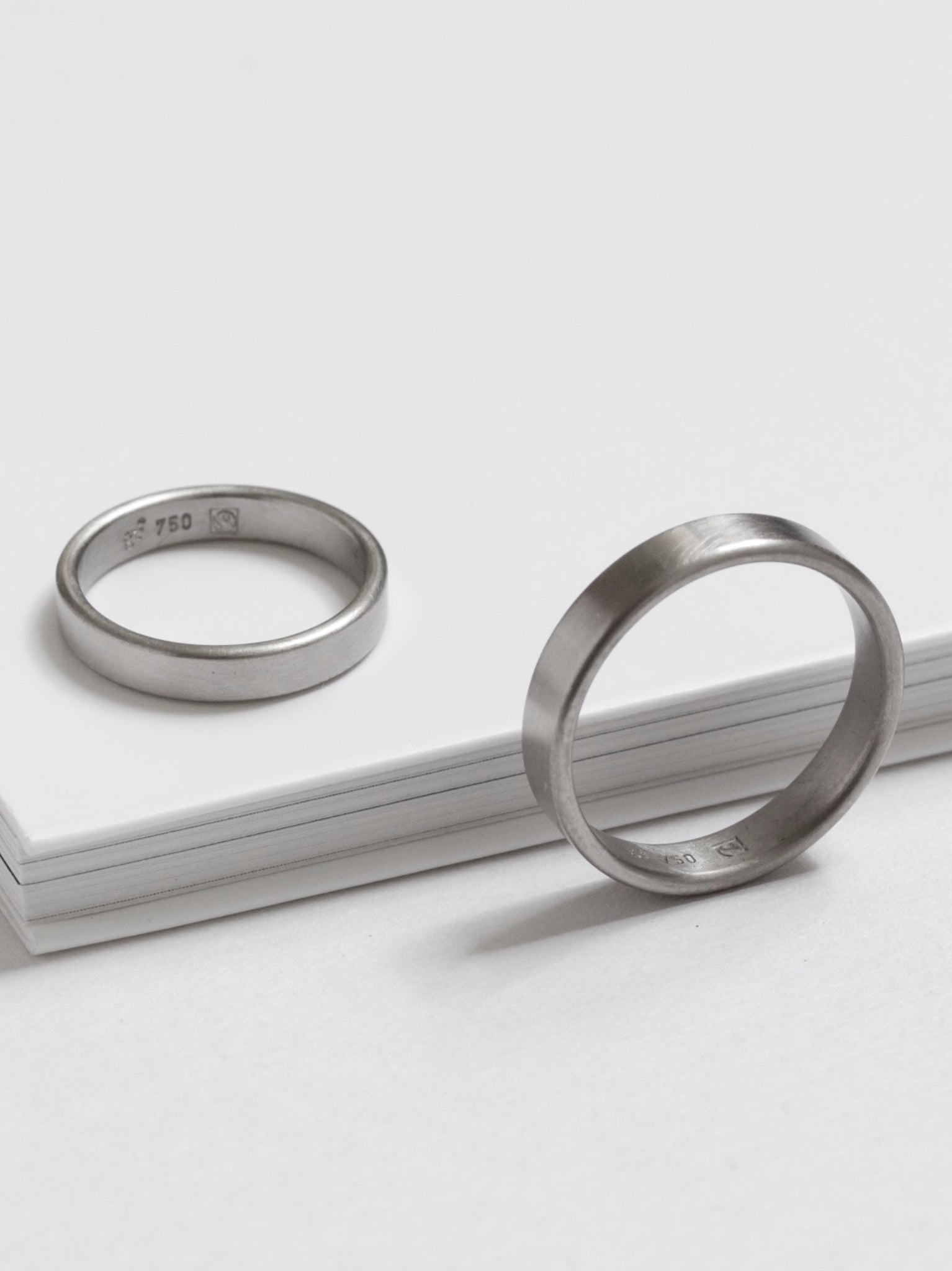 'Obround' Wide Fairtrade White Gold Wedding Ring