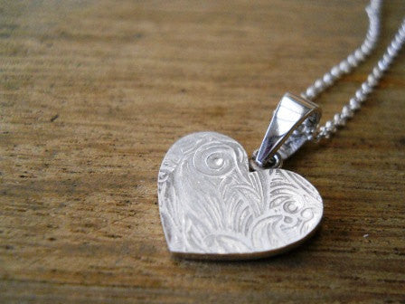 Pattern heart necklace