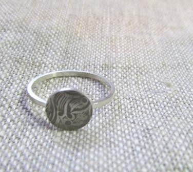 Simple floral pattern ring