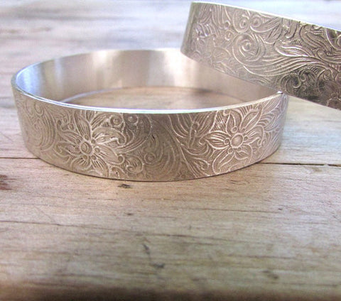 Wide engraved bangle floral bangle