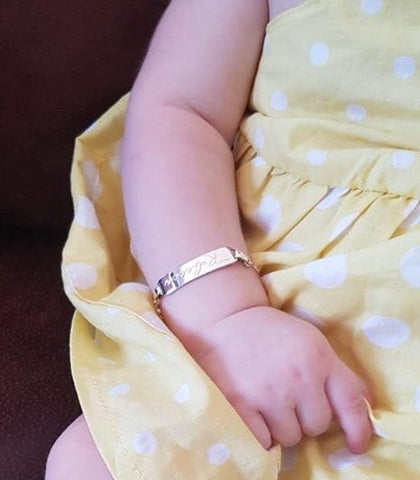 Baby bracelet - Delivery in January on this item.