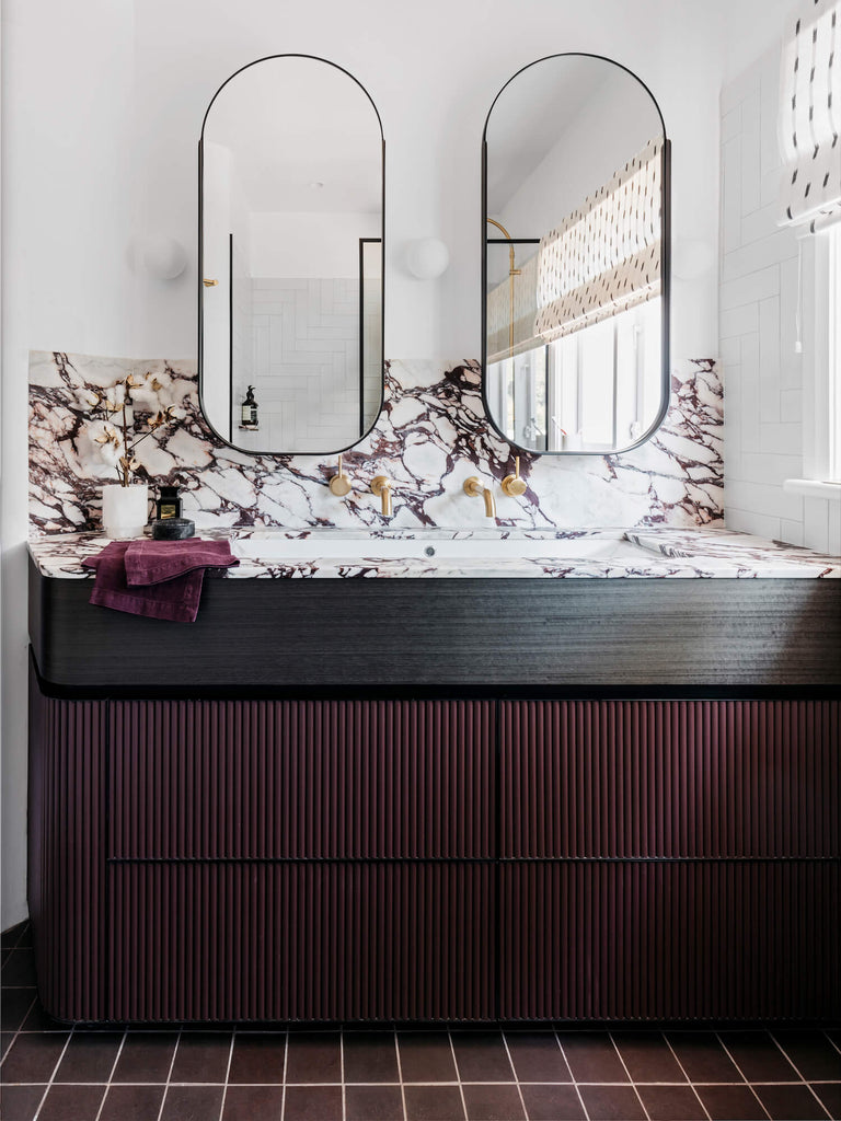 Dreamy Bathrooms With Oval Mirrors Mink Interiors