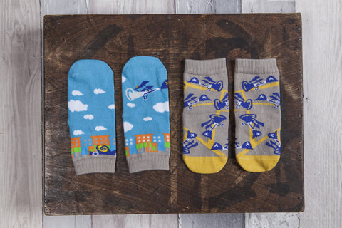 Fun 2 pair pack of snowflakes and sunflowers socks for boys