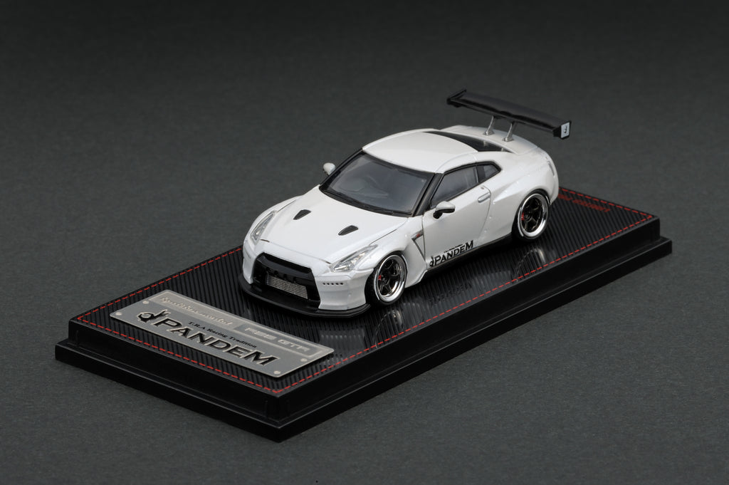 Ignition Model 1/64 Pandem R35 GT-R White