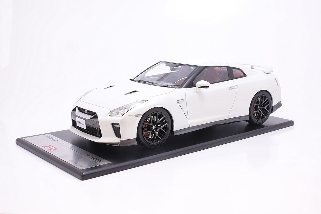 Tarmac Works 1/18 Nissan GT-R MY2017 - Brilliant White - T11-BW
