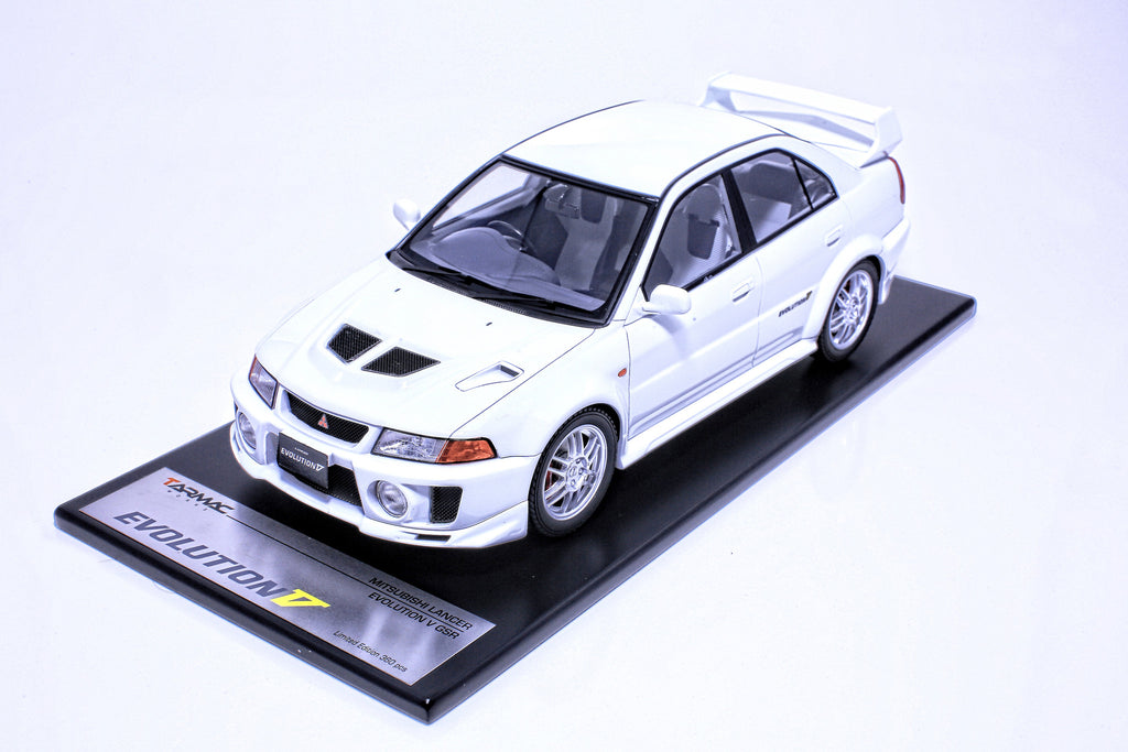 Tarmac Works 1/18 Mitsubishi Lancer Evolution V - White T03-WH