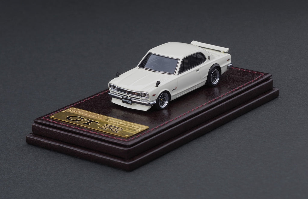 Ignition Model 1/64 Nissan Skyline 2000 GT-R (KPGC10) White